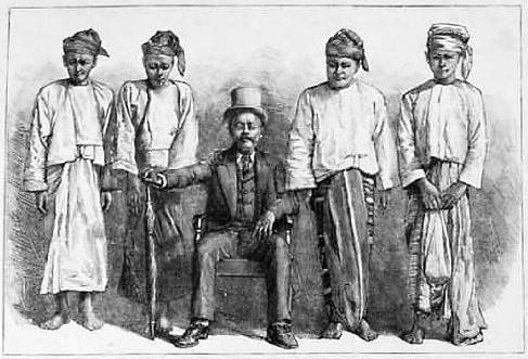 "The Burmese ""dacoit' leader Maung Hmone who surrendered to the British in 1889"