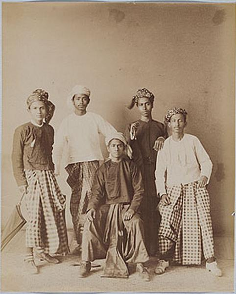 The origin of today's Myanmar men's outfit