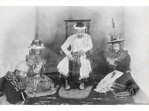 The last known photograph of King Thibaw