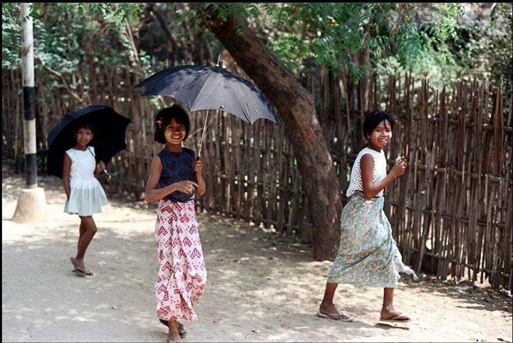 ကမ္ဘာလှည့်ခရီးသွားများ မရောက်ခင် ၁၉၇၂ ခုနှစ်က ပုဂံ၊ (ဓာတ်ပုံမူရင်း နစ်ဒီဝုလ်ဖ် - Nick DeWolf)