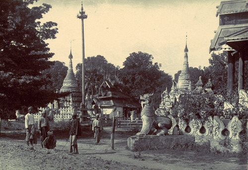 "Mandalay ""B Road"" in 1886"