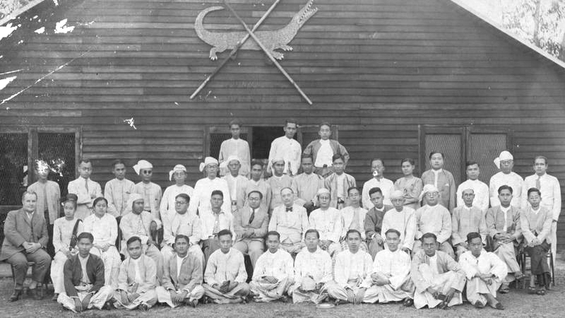 H.G. Wells with Burmese writers and scholars of the PEN Club in Burma, at the Rangoon Boat Club, July 1939