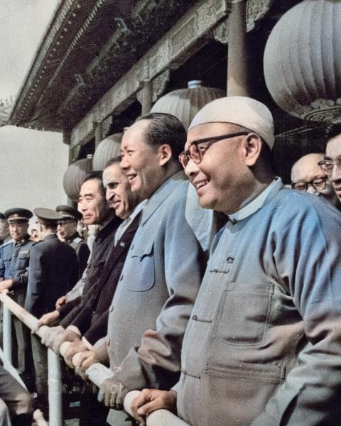 Prime Minister U Nu and Chairman Mao Zedong in Beijing, 1960.